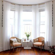 Nate Berkus Interiors How To Decorate With Tassels Bay Window Curtains Living Room, Bay Window Decor, Living Room Windows, Living Room Seating, Formal Living Rooms, Home Living Room, Living Room Decor, Window Seats, Curtains In Bay Window