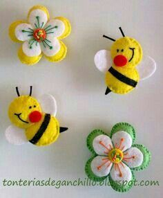 Felt bee and flowersbumble bees & flowers (tutorial in Spanish)moldes de fieltro I think these would make neat barrettes for a little girl.darling bees for the flower pageFelt ornament or pin: daisy flower, cute bees Luty Arts Crochet Felt Diy, Felt Crafts, Crafts To Make, Fabric Crafts, Sewing Crafts, Sewing Projects, Arts And Crafts, Felt Projects, Book Projects