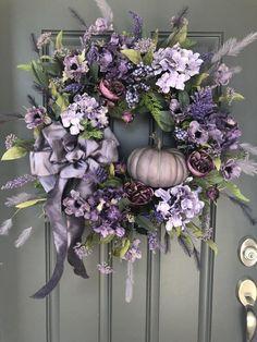 Fall Purple Hydrangea wreath with Pumpkin/Autumn Pumpkin wreath/Fall Hydrangeas and Roses wreath Fall Pumpkin Crafts, Pumpkin Wreath, Fall Pumpkins, Fall Door Decorations, Fall Decor, Diy Wreath, Grapevine Wreath, Wreath Ideas, Hydrangea Wreath