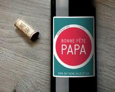 Vous cherchez un cadeau idéal pour la fête des pères ? Sélectionnez votre bouteille parmi un Bordeaux AOC rond, un Montagne Saint-Emilion chaleureux ou encore un Saint-Estèphe subtil et créez votre étiquette pour faire plaisir à votre Papa !