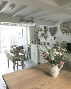 Love going away.but love coming home too ❤️ Antique Kitchen Decor, Farmhouse Kitchen Decor, Home Decor Kitchen, Shabby Chic Farmhouse, Shabby Chic Decor, Farmhouse Style, Estilo Shabby Chic, Hygge Home, Cottage Kitchens