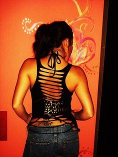 cutting shirts | RETRO 80'S fashionista Boutique