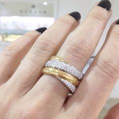 Dress ring by Kalfin jewellery #diamondrings #diamonds #diamondjewellery #kalfinjewellery #diamondengagementringsmelbourne #engagementrings #custommaderings #designerjeweller #jewelleryrepairs #weddings #coliisst #bridal #weddings #dress #gown #groom #nails #flowers #fashionista #fashionbloggers #style #dressring #couture #luxury www.kalfin.com.au