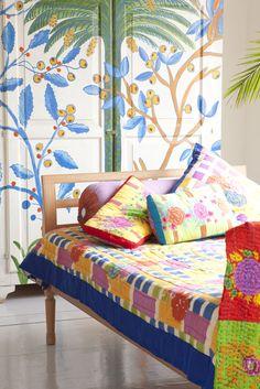 http://www.lisacorti.com/shop/it/6-home-textile