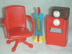 Vintage Renwal Doll furniture with Vacuum