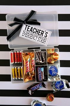 25 Teacher Gifts That Show Your Appreciation For All They Do : teacher emergency stash gift idea Show your childs teacher appreciation for all they do. Check out these 25 teacher gifts that are ideal for teacher appreciation day, Christmas or any time. Male Teacher Gifts, Teachers Day Gifts, Teacher Christmas Gifts, Gift Ideas For Teachers, Homemade Gifts For Teachers, Teacher Gift Diy, Christmas Gift Ideas, Christmas Presents For Teachers, Gift Guide