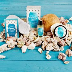 POSH CASTAWAY COCONUT Get an all-in-one island coconut pampering experience with this cute kit. Includes: Luxury Body Wash 2 fl oz Luxury Body Whip 2 oz Hydrating Crème Face Mask .5 fl oz