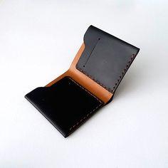 DIY wallet - Xu Chen Art and Design Leather Gifts, Leather Art, Leather Bags Handmade, Leather Pouch, Leather Design, Leather Wallets, Diy Wallet, Leather Workshop, Minimalist Wallet