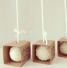 Cake Pop Boxes or maybe truffles to give as gift, fund raiser Wedding Cake Pops, Wedding Cakes, Mini Cakes, Cupcake Cakes, Pastell Party, Cake Pop Boxes, Karton Design, Mini Tortillas, Bake Sale
