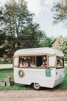Food truck reception | Styling by @sschmirly http://southernweddings.com/2016/08/10/full-service-partial-wedding-planning/