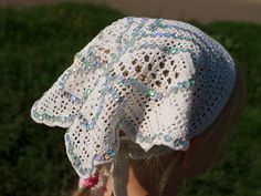 Such a beautiful butterfly head scarf! - In filet crochet - with chart! Filet Crochet Charts, Crochet Stitches, Knit Crochet, Crochet Patterns, Crochet Hats, Crochet Ideas, Free Crochet, Fillet Crochet, Knitted Gloves