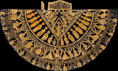 The coronation mantle of Hungary from the time of King Stephen I of Hungary, reigned 1000 Age Of King, Elizabeth Bathory, Royal Crowns, Gold Work, Family Events, Crown Jewels, Female Images, Byzantine, Cloak