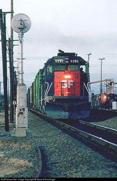 RailPictures.Net Photo: SP 8282 Southern Pacific Railroad EMD SD40T-2 at Roseville, California by Steve Schmollinger