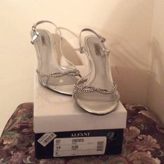 Alfani dressy sandal heels. Size 10M Gently worn . A small peel on the shoe but nothing noticeable. Size 10M Alfani Shoes Heels