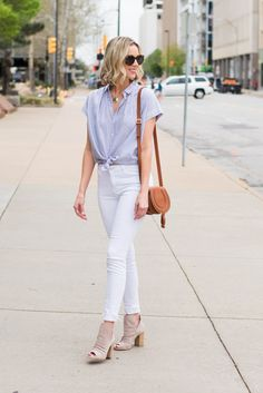 Have you ever wondered when to tuck and not tuck your shirt plus how? This post is your guide to the front tuck, full tuck, tie, and leaving untucked! Spring Fashion Casual, Spring Outfits, Fall Fashion, Spring Clothes, Casual Summer, Casual Outfits, Fashion Outfits, Fashion Tips, Fashion Ideas