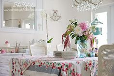 A Little Bit Cottage...Dining With Vintage Tablecloths
