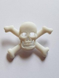 White Skull Buttons Skull and Crossbone Buttons Pirate Skull Pendant, Buttons, Sculpture, Trending Outfits, Unique Jewelry, Handmade Gifts, Outdoor Decor, Etsy, Vintage