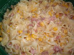 sonkás tejfölös tészta - Google keresés Pasta Salad, Rice, Ethnic Recipes, Google, Food, Crab Pasta Salad, Essen, Meals, Yemek