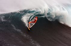 Francisco Goya riding one of the ultimate windsurf waves, Jaws.  This big wave spot on Maui, Hawaii gets incredible swell and is 'THE' spot of many a windsurf movie. #epicwaves #windsurfwaves #poolewindsurfing