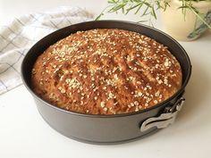 Glutenfritt bröd med havre som bara behöver jäsa en gång direkt i formen. Snabbt, smidigt, snyggt och gott!