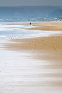 Biville, Normandie Photo by Philippe Lepoittevin Sea And Ocean, Ocean Beach, Beach Walk, I Love The Beach, Beach Scenes, Photos, Pictures, Belle Photo, Beautiful Beaches