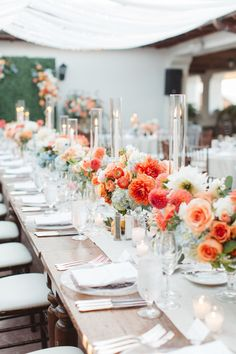 floral wedding table decor tablescape | Photography: Brandon Kidd
