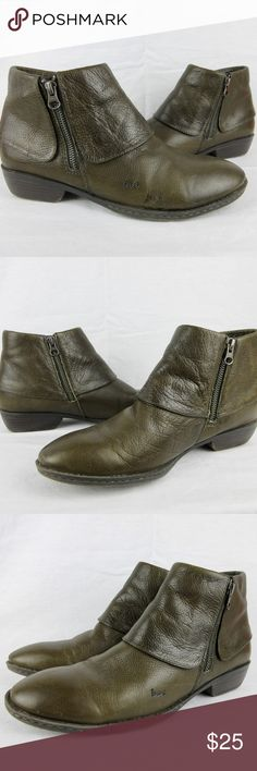 Women's Born Foldover Boots / Booties, Size 9.5 Women's Born Foldover Boots / Booties, Size 9.5  Leather uppers.  Zippers on both inside and outside.  Pre-worn but very good condition with very little wear.  Small smutz seen in last pic appears to be a dab of glue from manufacturing, not wear. Born Shoes Ankle Boots & Booties