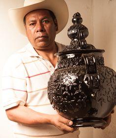 Artesanos de Michoacan (Mexican folk art artists ) | Manuel Jeronimo Reyes y… Mexican Heritage, Mexican Style, Mexican Artists, Mexican Folk Art, Pineapple Vase, Mexican Ceramics, Mexican Crafts, Mexico Art, Mexican Designs
