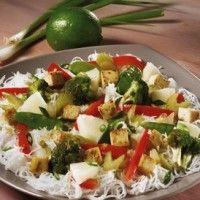 Sauté de tofu oriental sur Wikibouffe. Avec ananas pour donner plus de fraîcheur!