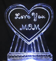Hi Mom!  (Ice Sculptures done by Chris Currier)