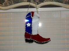 Everything made of Glass Stained Glass Projects, Stained Glass Patterns, Stained Glass Art, Texas Cowboy Boots, Lead Glass, Stained Glass Suncatchers, Texas Star, Broken Glass, Flower Shape