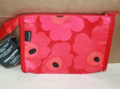 Iconic Flower Design in Red &Pink. Marimekko, Wash Bags, Bold Prints, Toiletry Bag, Hygge, Red And Pink, Bag Making, Flower Designs, Scandinavian