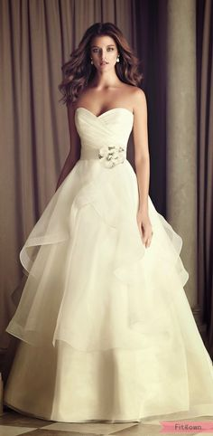 Special Day Dress..Wedding gown..!! #jewelexi #special_moment
