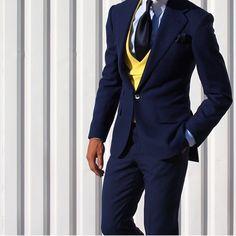 Style Gentleman's Essentials Dapper Gentleman, Gentleman Style, Sharp Dressed Man, Well Dressed Men, Slim Fit Tuxedo, Look Formal, Slim Fit Pants, Suit And Tie, Wedding Suits