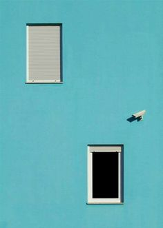 By Dragan Győrfi Minimal Photography, Urban Photography, Color Photography, Photography Blogs, Iphone Photography, White Photography, Minimalist Photos, Minimal Architecture, Blue Home Decor