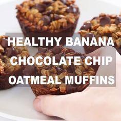 Healthy Banana Chocolate Chip Oatmeal Muffins - Chef Savvy - Food and drinks interests Banana Oatmeal Muffins, Banana Chocolate Chip Muffins, Chocolate Chip Oatmeal, Oatmeal Muffin Recipe, Chocolate Chips, Freezer Muffins, Healthy Chocolate Muffins, Banana Breakfast, Banana Chips