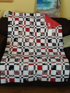 make as mixed disappearing 9 patch - Patriotic quilt