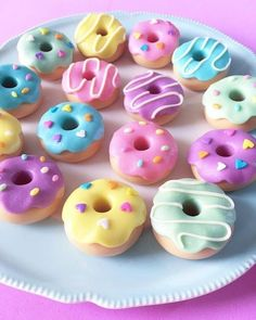 D N U T worry! Be Happy! doughnuts doughnutparty candy sugar sweet donuts E. Polymer Clay Kawaii, Fimo Clay, Polymer Clay Charms, Polymer Clay Sweets, Polymer Clay Miniatures, Polymer Clay Creations, Ceramic Clay, Cute Donuts, Mini Donuts