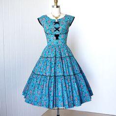vintage 1950's dress delightful summer blue & lilac by traven7,