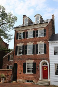 Around Old Town: The Historic 1796 Dr. James Craik House - Old Town Home