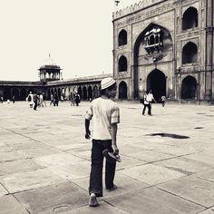 Namaazi  #prayer #quran #prayers #photographie #ramadan #streetphotography #jamamasjid  #india #street_photograph #slippers #_streetsofindia #canonindia #canon #world_streets #featureforcanon #canon_india #photo_storee #photooftheday #summers #delhidiaries #delhi6 #delhi6streets #evening #muslim #muslims #inspiredtraveller #_soi #holy #myshoeboxofphotographs #namaz