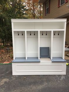 *bench w individual lift up seats. Great storage idea for garage or mudroom.* Mudroom locker 18 available in white with stained Khona bench or painted grey bench. Storage under seating with individual compartments under seating solid structure Mudroom Laundry Room, Bench Mudroom, Mud Room Lockers, Entryway Bench Storage, Mudroom Storage Ideas, Garage Lockers, Entry Way Lockers, Home Lockers, Mudroom Cubbies