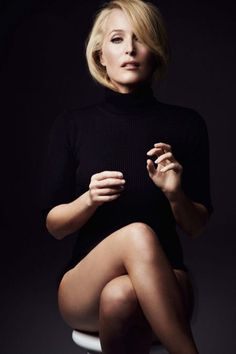 Gillian Anderson elegant crossed legs in black   Best Celebrity Legs in High Heels