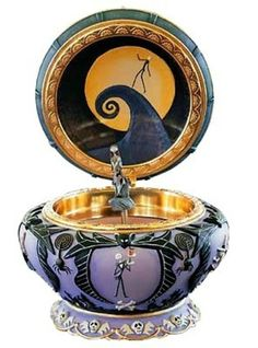 Tim Burton Nightmare Before Christmas Sally Music Box Disney This Is Halloween Arte Tim Burton, Christmas Music Box, Christmas Purse, Christmas Room, Jack The Pumpkin King, Musical Jewelry Box, Music Jewelry, Jack And Sally, Jack Skellington