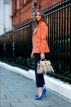 Olivia Palermo in orange blazer, blue Manolo Blahnik heels and zebra print bag by Mulberry. Style Work, Mode Style, Her Style, Style Blog, London Fashion Weeks, Look Fashion, Autumn Fashion, Fashion Coat, Runway Fashion