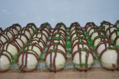 Bellakaker lager konfekt til jul. Flere smaker.  Ta kontakt på post@bellakaker.no for mer informasjon.