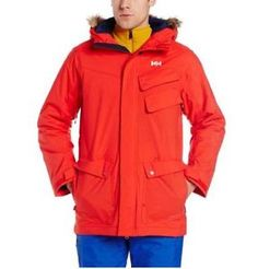 Traveling to the mountain, hitting the slopes or going out for dinner, this insulated ski parka featuring Helly Tech Performance 2L fabric will be a given companion and it will keep you warm, dry and comfortable.