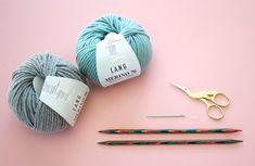 Kostenlose Strickanleitung: Stirnband mit Twist – Snaply-Magazin Free Knitting Pattern: Headband with Twist – Snaply Magazine Knitting Blogs, Knitting Wool, Knitting For Beginners, Free Knitting, Knitting Patterns, Crochet Patterns, Beginner Crochet, Easy Crochet, Headband Pattern
