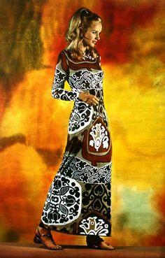 Model is wearing a long printed dress by Léonard Fashion, 1968 mod floral print dress long maxi brown white 60 Fashion, Fashion Poses, Fashion Prints, Vintage Fashion, Fashion Outfits, Sixties Fashion, Fashion Colours, Colorful Fashion, Vintage Dresses