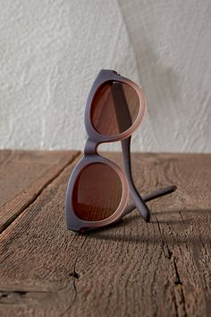43822922d493 TRAVELER by TOMS Florentin sunglasses with a matte frame and gradient lenses